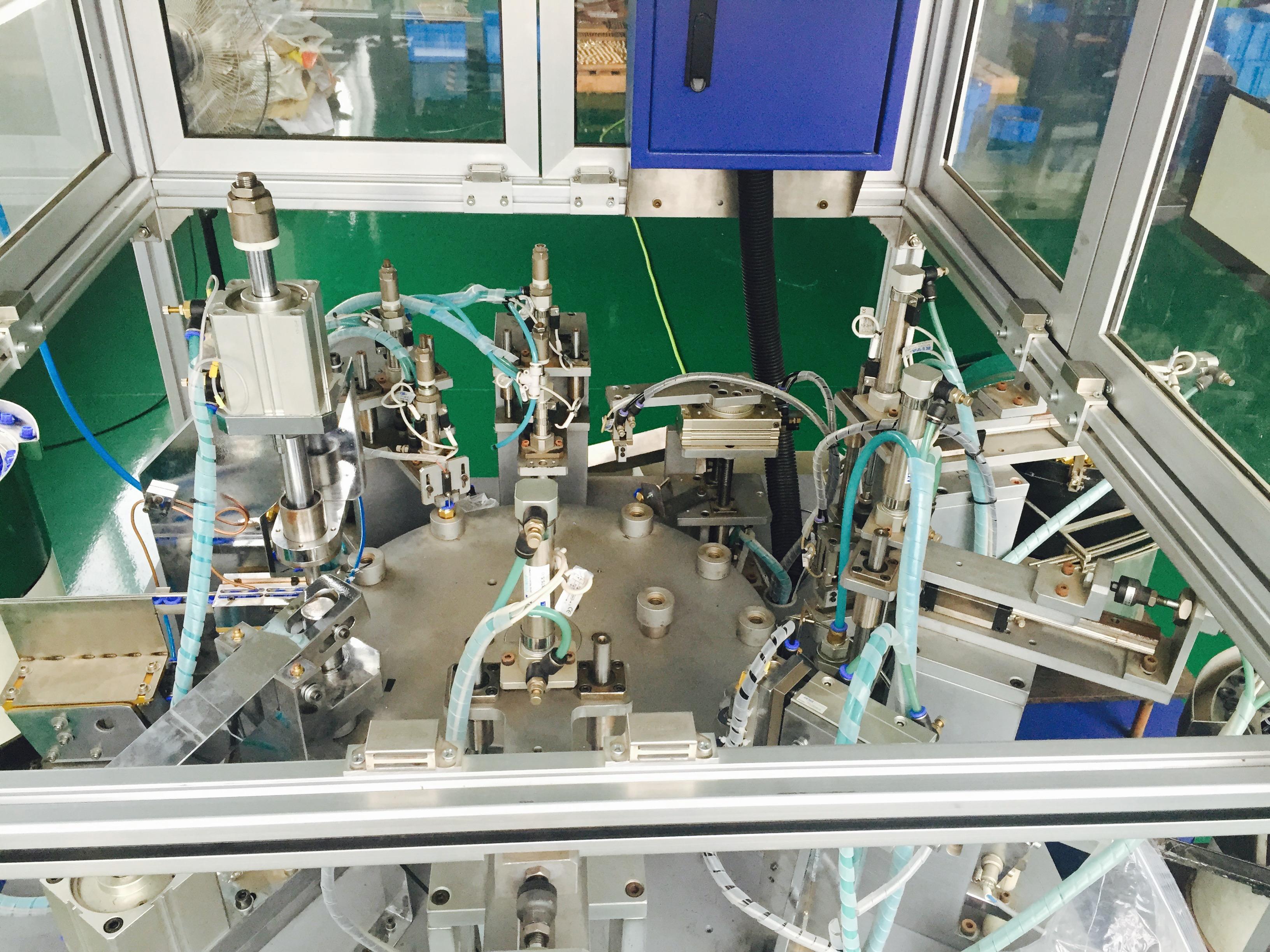 Auto Assembling Machine